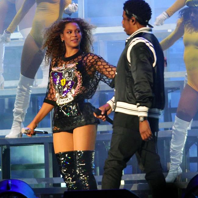 Beyonce and Jay-Z end concert following stage invasion