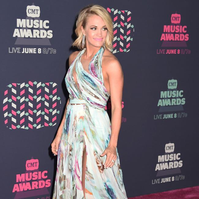Carrie Underwood 'grateful' for fans after scoring number one album