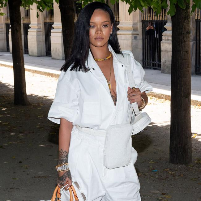 Rihanna: Don't wear lingerie just to get the ring