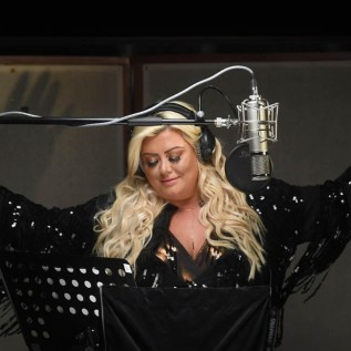 Gemma Collins wants Christmas Number One