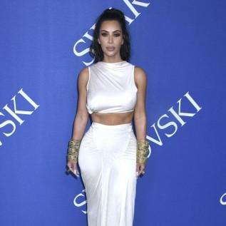 Khloe Kardashian hails Kim Kardashian West in birthday message