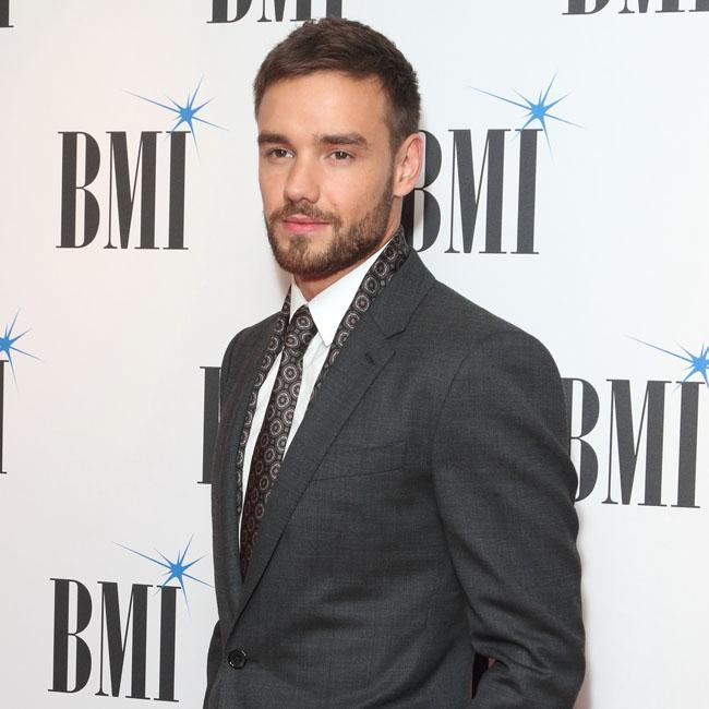 Liam Payne struggling solo