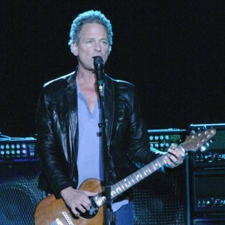 Lindsey Buckingham brands new-look Fleetwood Mac a 'cover band'