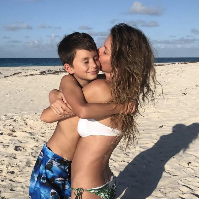 Gisele Bundchen feels 'lucky' to be a mother