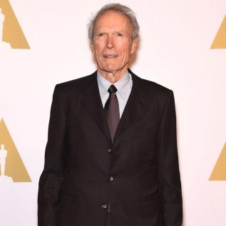 Clint Eastwood still going skiing at the age of 88