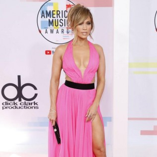 Jennifer Lopez says Alex Rodriguez has a 'loving spirit'