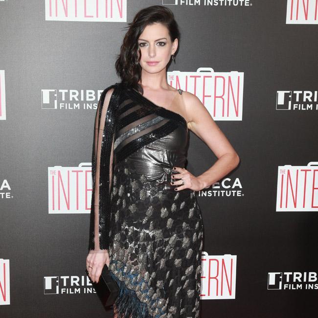 Anne Hathaway: Princess Diaries 3 Has A Script