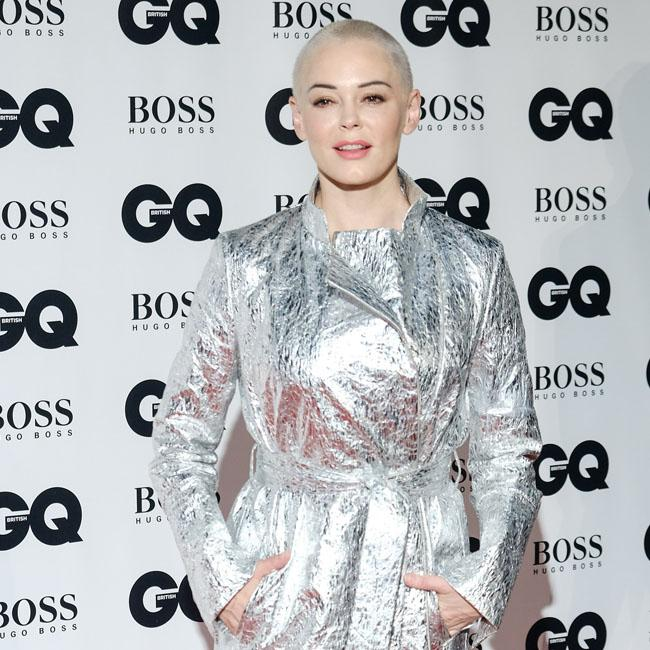 Rose McGowan says sorry to transgender community