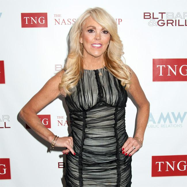 Dina Lohan's mystery man says they have 'unbelievable chemistry'