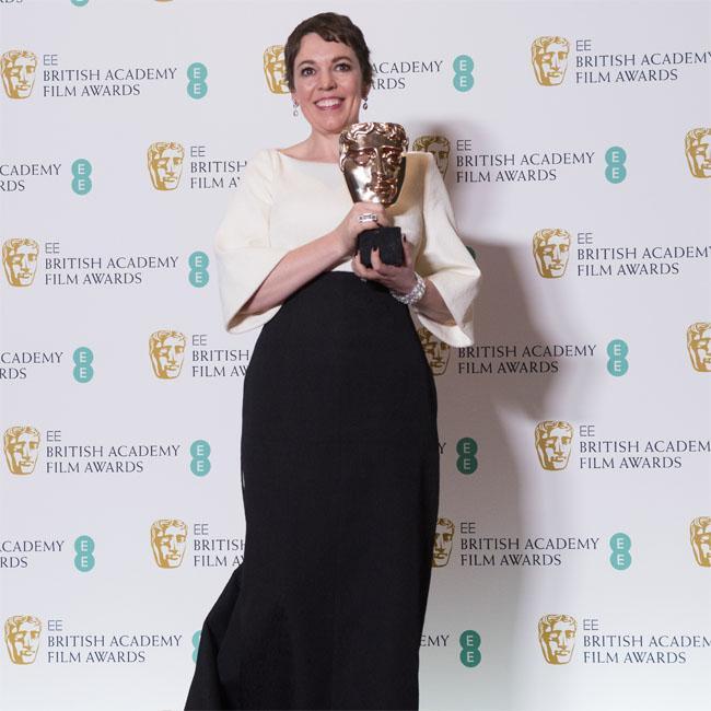 Olivia Colman dedicates award to co-stars