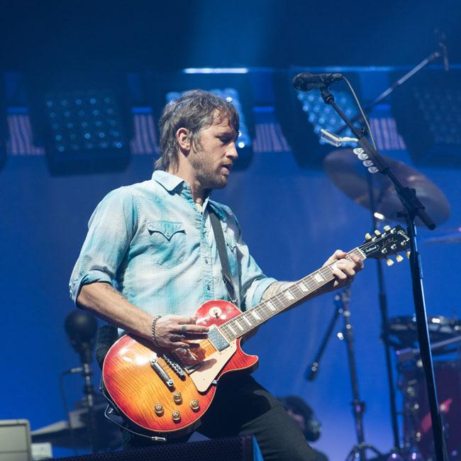 foo fighters 39 chris shiflett teases new solo song and announces tour. Black Bedroom Furniture Sets. Home Design Ideas