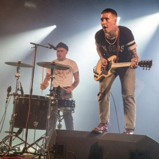 Slaves release music video in bid to save pubs