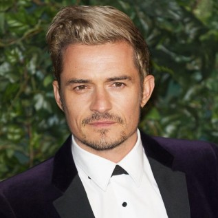 Orlando Bloom moving in with Katy Perry