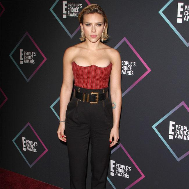 Scarlett Johansson's dress split struggle