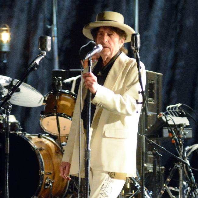 Bob Dylan set to open whiskey distillery in 2020