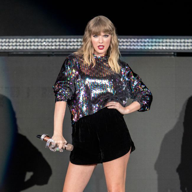 Taylor Swift donates to LGBTQ rights group