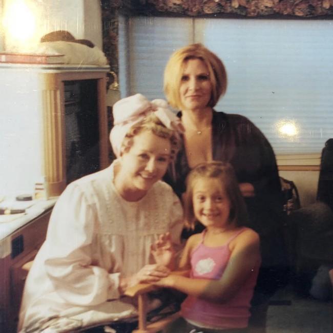 Billie Lourd pays tribute to Debbie Reynolds