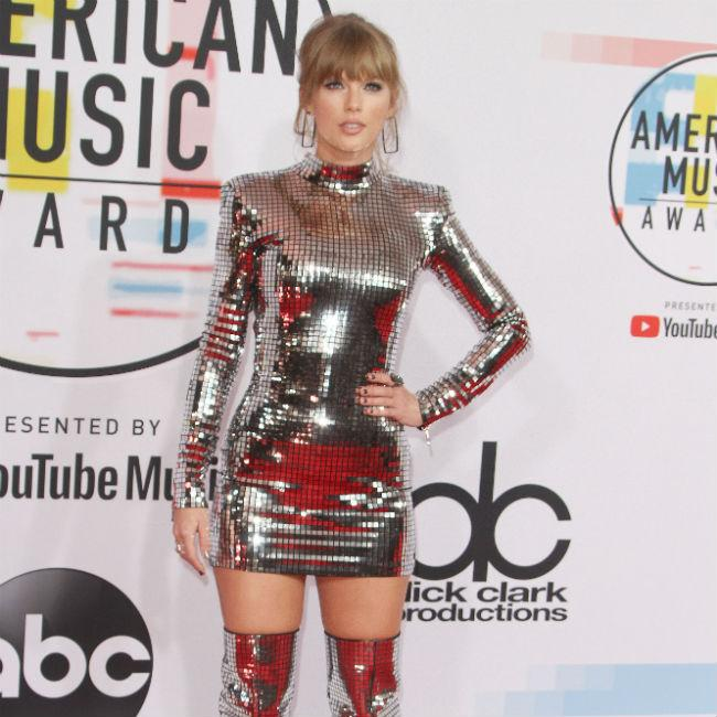Taylor Swift shows support for LGBTQ community