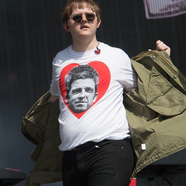 Lewis Capaldi trolls Noel Gallagher in Chewbacca mask at TRNSMT Festival