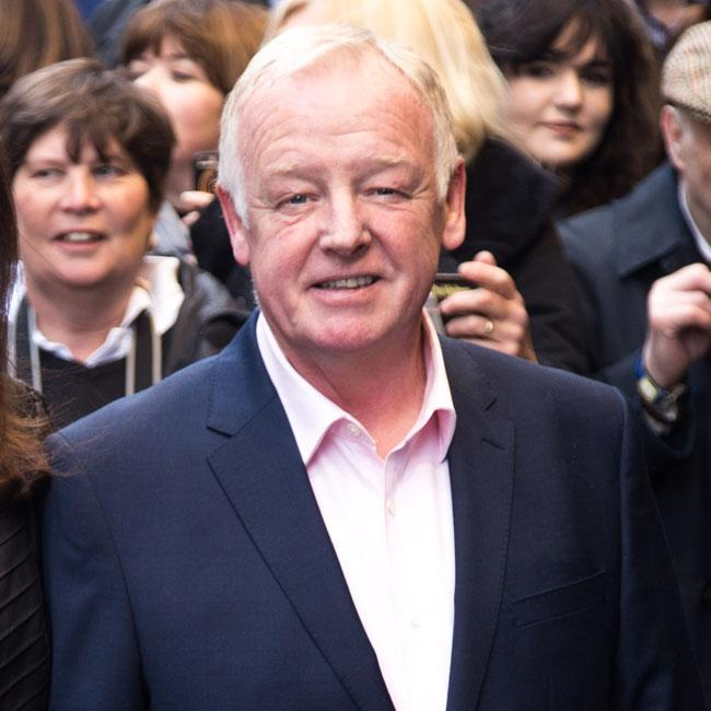 Les Dennis super-fan wanted to name pub after ex-Corrie star