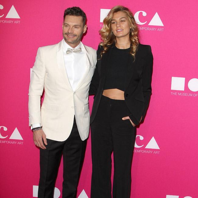 Ryan Seacrest and Shayna Taylor back on?