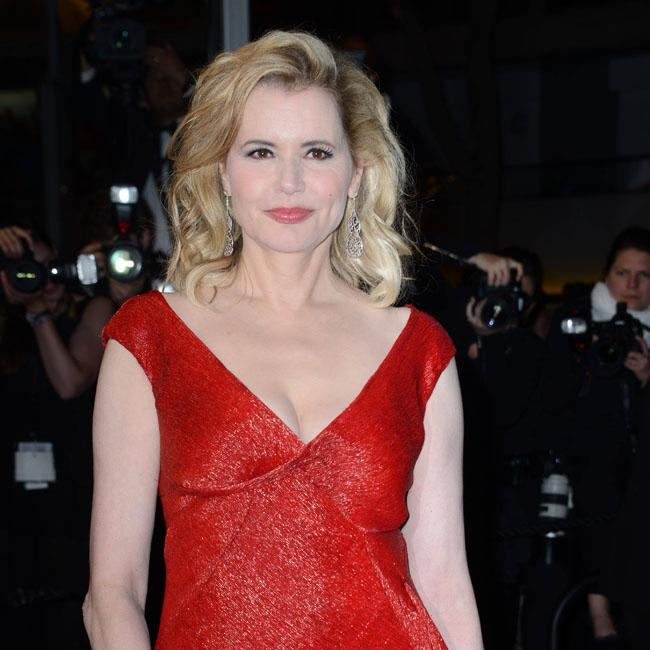 Director forced Geena Davis to sit on his lap