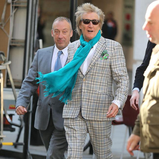 Rod Stewart and Robbie Williams record song together