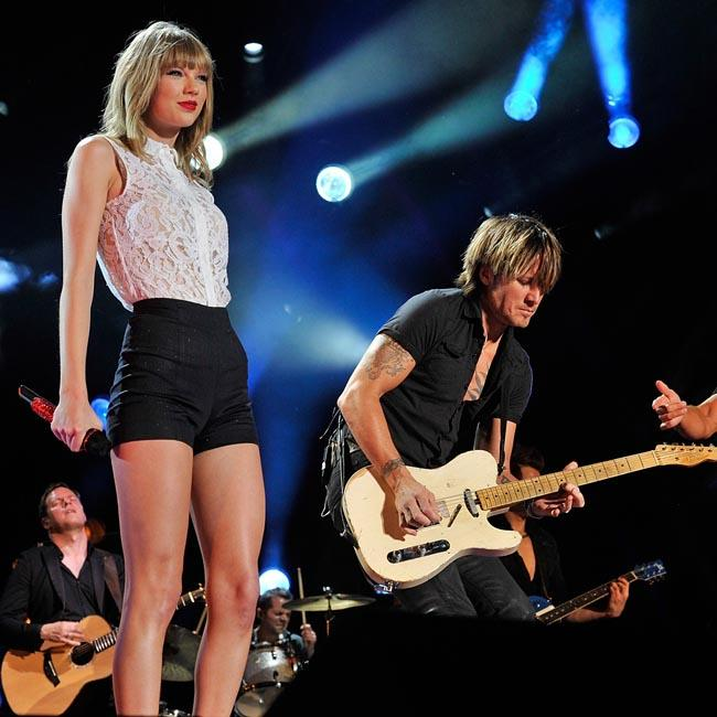 Taylor Swift fan-girls over Keith Urban's cover of Lover