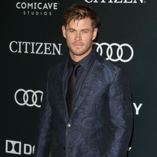 Chris Hemsworth wants to remake Three Amigos