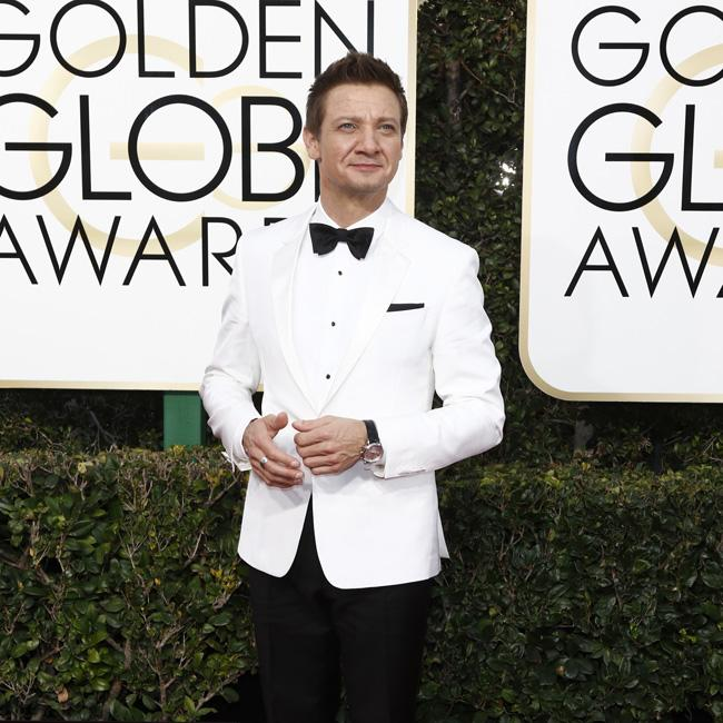 Jeremy Renner 'threatened to kill himself and wife'