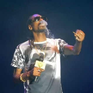 Snoop Dogg given bouquet of 48 joints for birthday