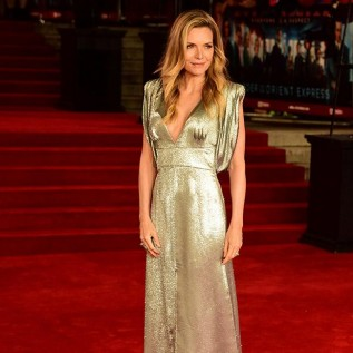 Michelle Pfeiffer details inappropriate experience with movie exec