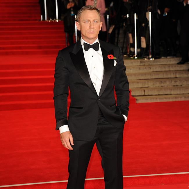 Daniel Craig says being a waiter requires 'persona'