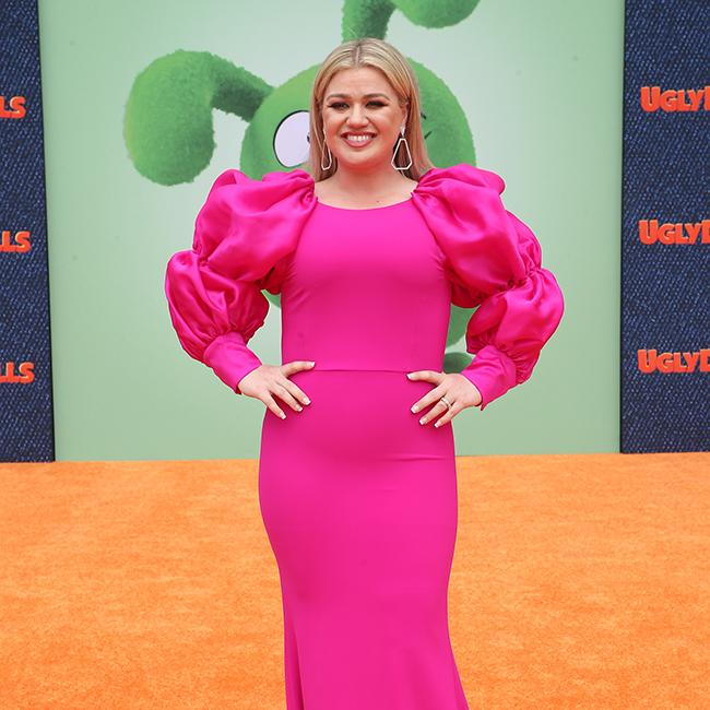 Kelly Clarkson: Childbirth is really gross