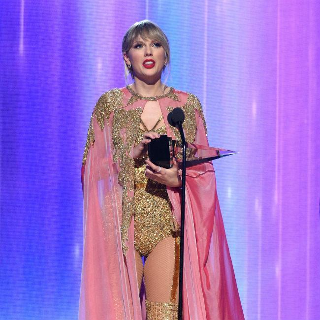Taylor Swift leads AMA winners