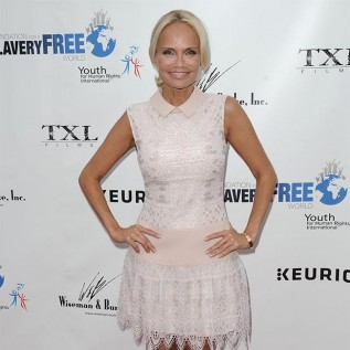 Kristin Chenoweth 'overwhelmed' after meeting birth mother