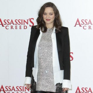 Marion Cotillard wants to 'protect' the planet with Greenpeace expedition