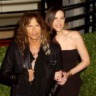 Liv Tyler embarrassed by dad