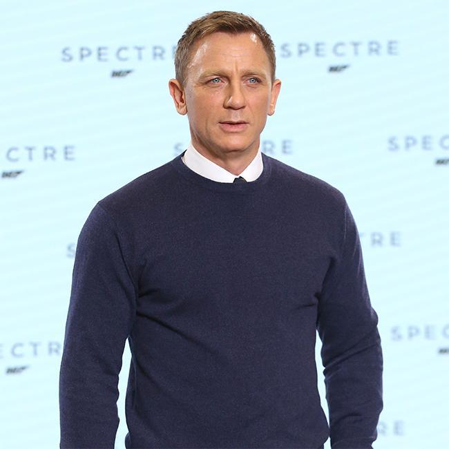 Daniel Craig makes an 'incredible martini'