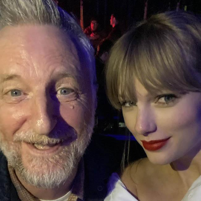 Taylor Swift and Billy Bragg strike up friendship