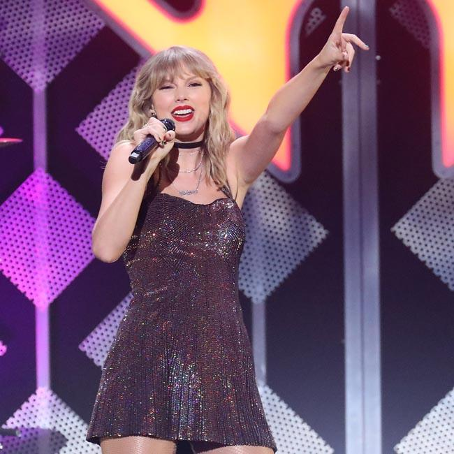 Taylor Swift helps cash-strapped fans