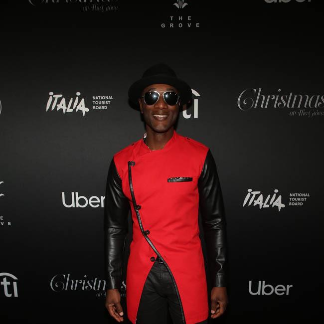 Aloe Blacc thinks about Avicii every time he's in the studio