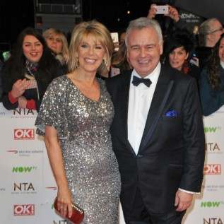 Eamonn Holmes and Ruth Langsford hit back at social distancing complaints