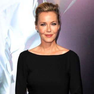 Connie Nielsen wants to star in Wonder Woman spin-off